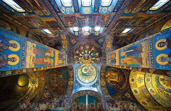 Молаикой Фролова В.А. украшен Храм Спаса-на-крови в Санкт-Петербурге