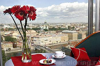 """Вид из окна верхнего этажа в отеле """"Азимут"""" 3***, Санкт-Петербург"""