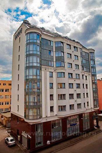 """Внешний вид отеля """"Балтия"""" 3*** в Санкт-Петербурге"""