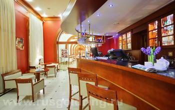"""Лобби-бар в отеле """"Октябрьская"""", Санкт-Петербург"""