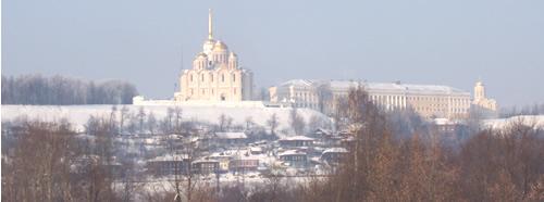 Вид на центр г. Владимира (на успенский собор ) из окон гостиницы Клязьма. Туры по Золотому Кольцу, автобусные туры выходного дня.
